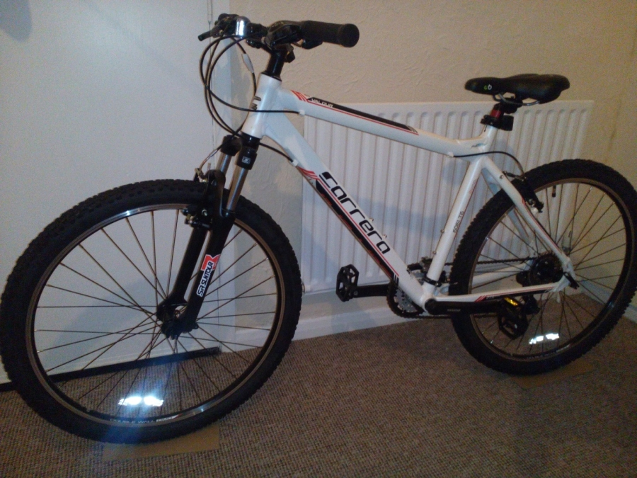 Stolen Carrera bicycles Carrera Valour Mens Mountain Bike 2015