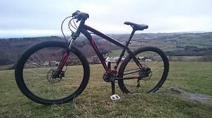 Specialized Mountain bike, 29′ wheels, 27 gears