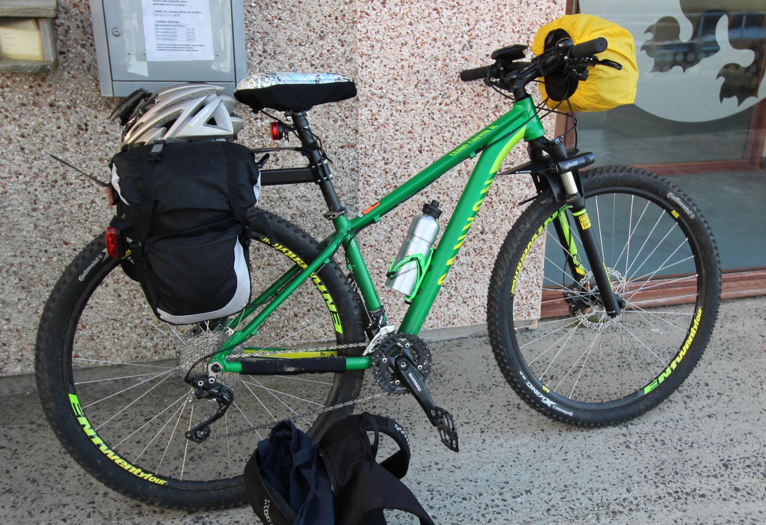 Stolen Canyon bicycles Grand Canyon AL 5.9 W 29″ 2015 - CCTV IMAGES ...