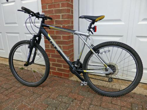 Stolen GT Bicycles Outpost