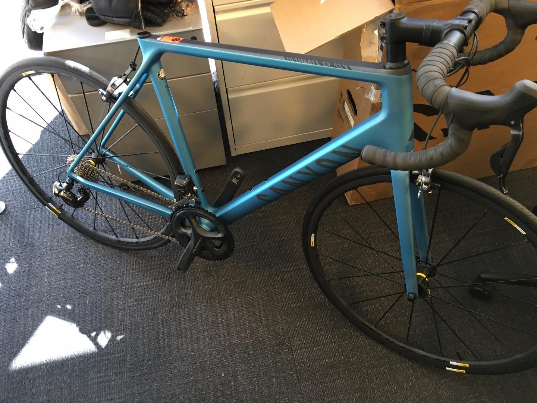 Stolen Canyon bicycles Ultimate CF SLX 8.0 Di2 | 1440 x 1080 jpeg 498kB