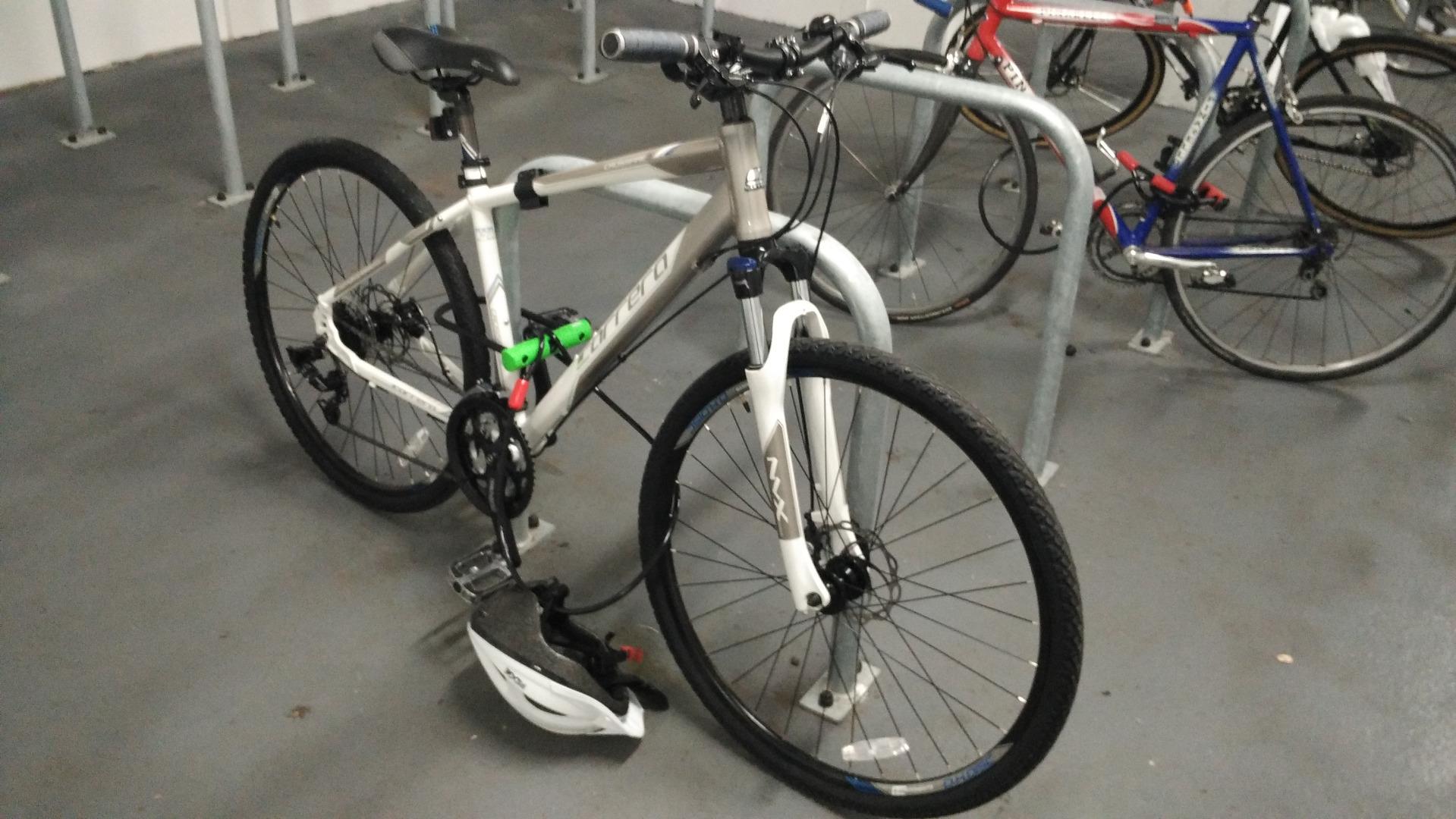 Stolen Carrera bicycles Crossfire 3