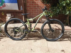 Front and rear breake hardly work gears are not 100% working Giant stance 2